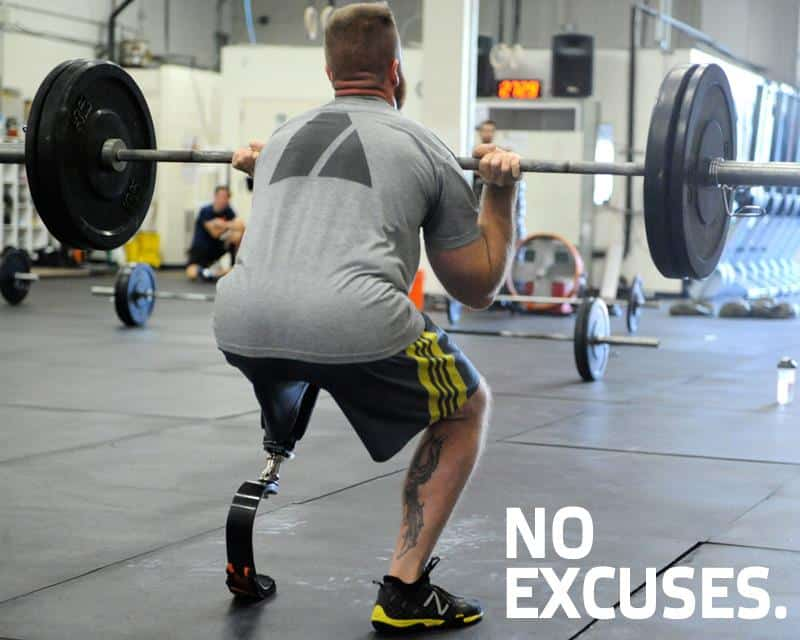 no excuses, man lifting without a leg
